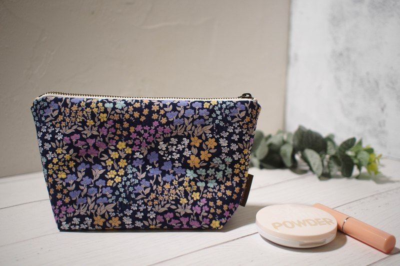 Daily series cosmetic bag / storage bag / limited edition handmade bag / psychedelic purple flower / stock supply