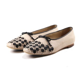PLAYGAME W1059 Nude leather flats