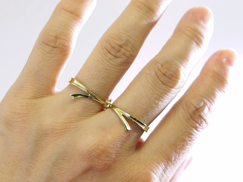 Japan Quality | Double Finger Ring Happiness Ribbon Brass