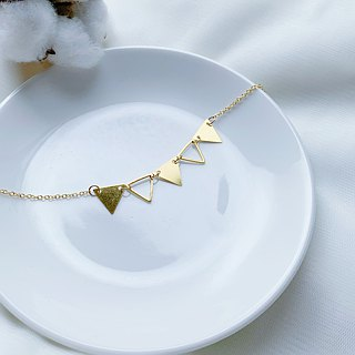 SL276 Light you up small triangle flag necklace