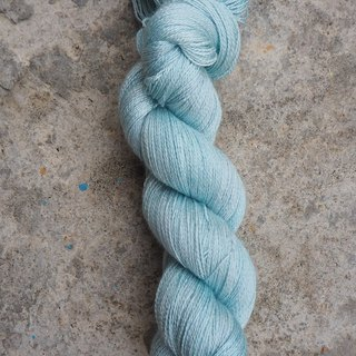 Hand dyed lace thread. Ice Green (55 BFL/45 Silk)