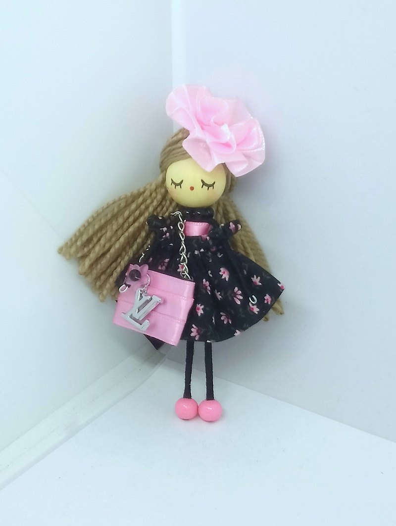 Brooch doll Lv