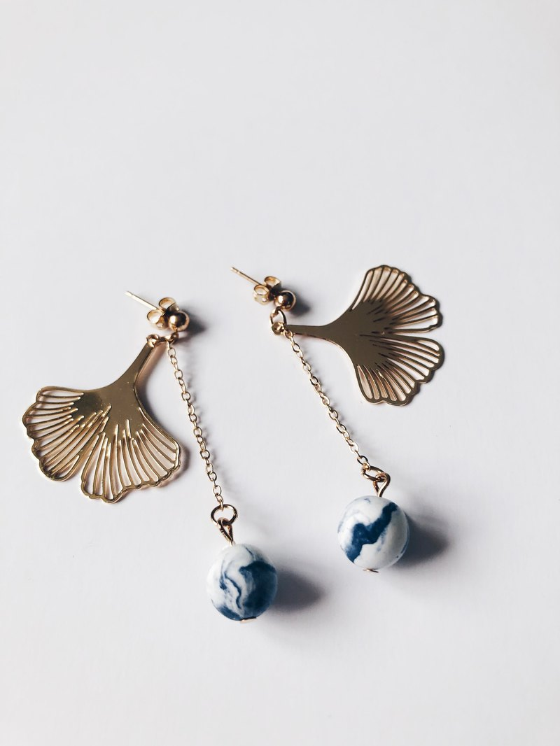 Dark blue light clay ink lotus earrings