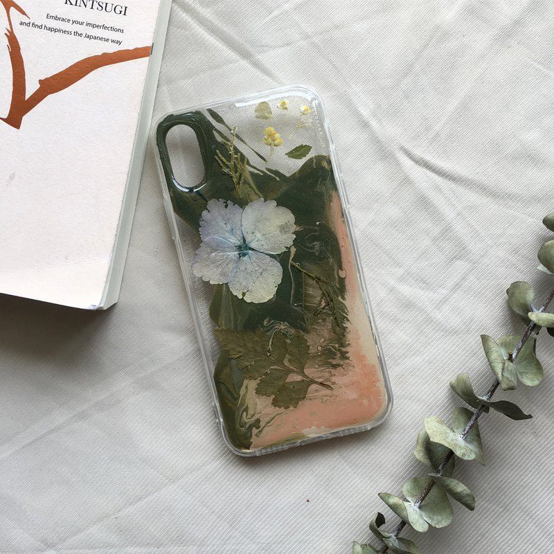 handmade phone case pressed flowers