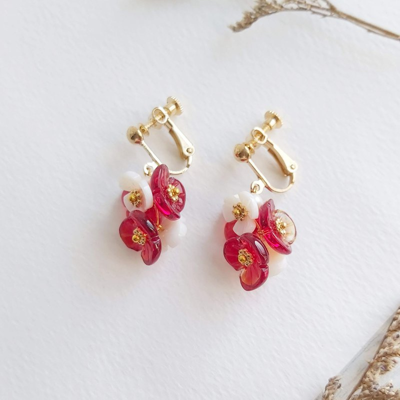 Aiyana red hydrangea natural freshwater pearl garland retro series earrings - ear pin / ear clip