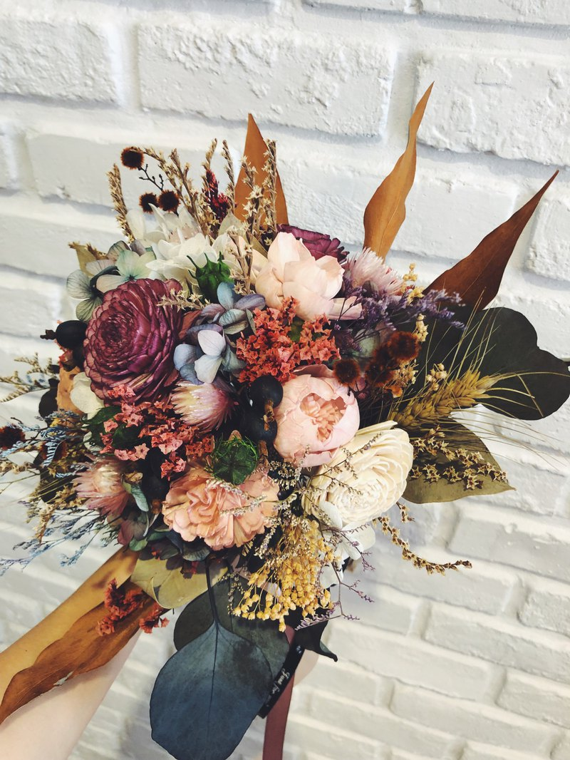 Custom hand made dry / no flower hand bouquet / wedding wedding bouquet