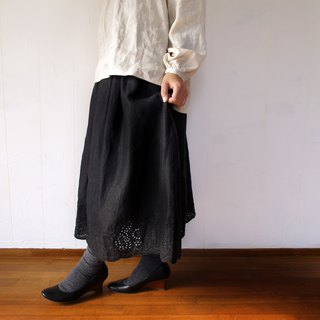 Linen 100% scalloped embroidery gathered skirt black