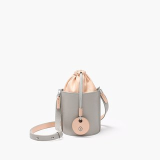 Bodhi said FOSTYLE first layer leather handmade leather new shoulder bag Messenger bag cylinder bundle bucket bag gray stitching pink