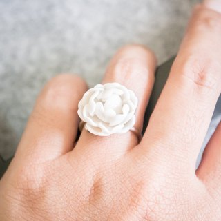 Peony resizeble ring - white porcelain - sterling silver (925)