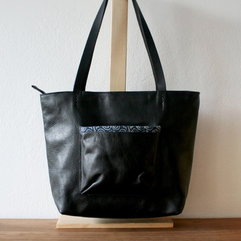 SALE!! Black Zipper Leather Tote Bag / Indigo Weekend Handbag / Batik Bag