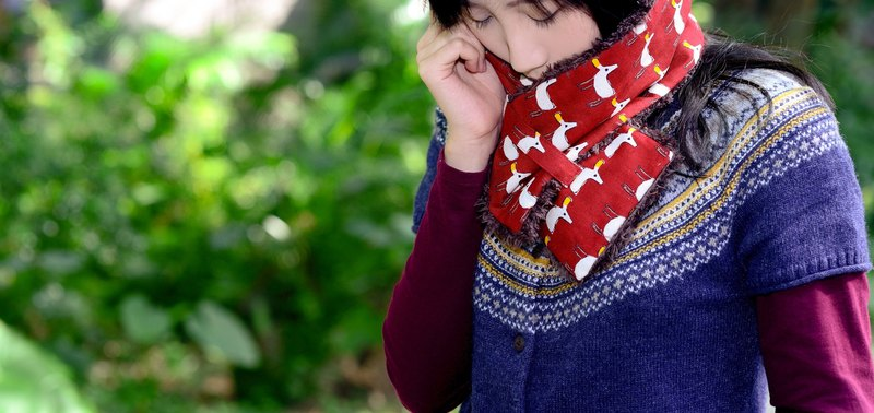 [Two is not like] wool short scarf / bib