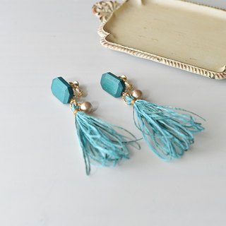Tassel earrings/wood/blue