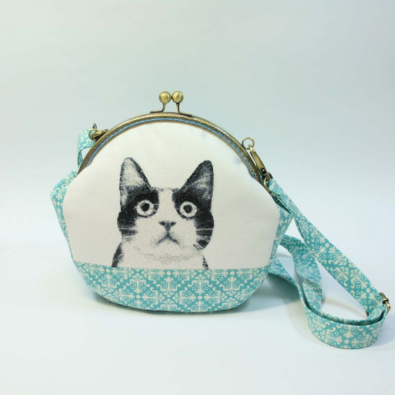 Embroidery 20cmU style gold cross-body bag 10 - black and white cat