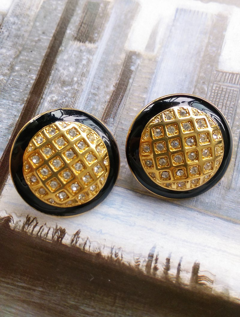 [Western antique jewelry / old pieces] Monet muffin grid clip earrings