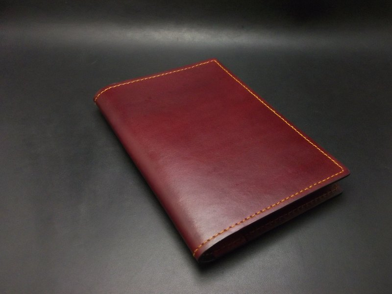 APEE leather hand ~ passport folder ~ Plain red brown + light tea