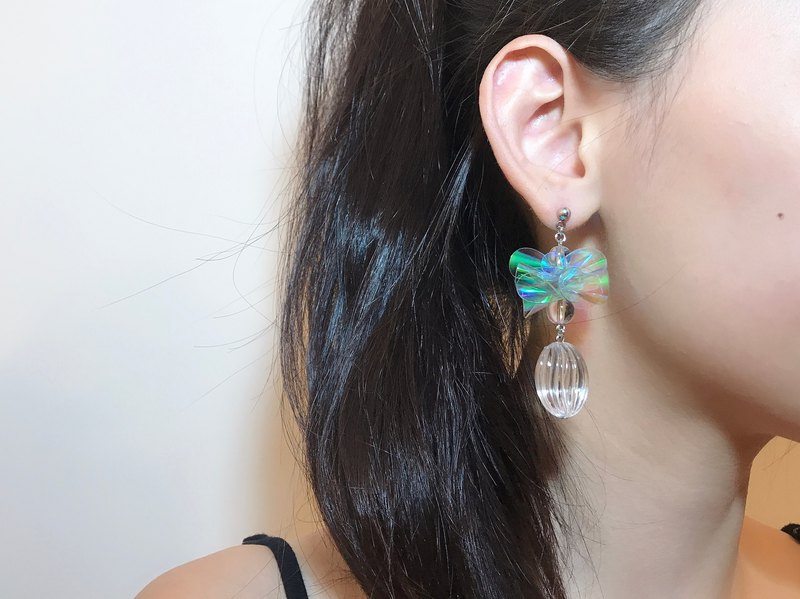 Merilokyuen | Meatball Transparent Flower Ball Earrings