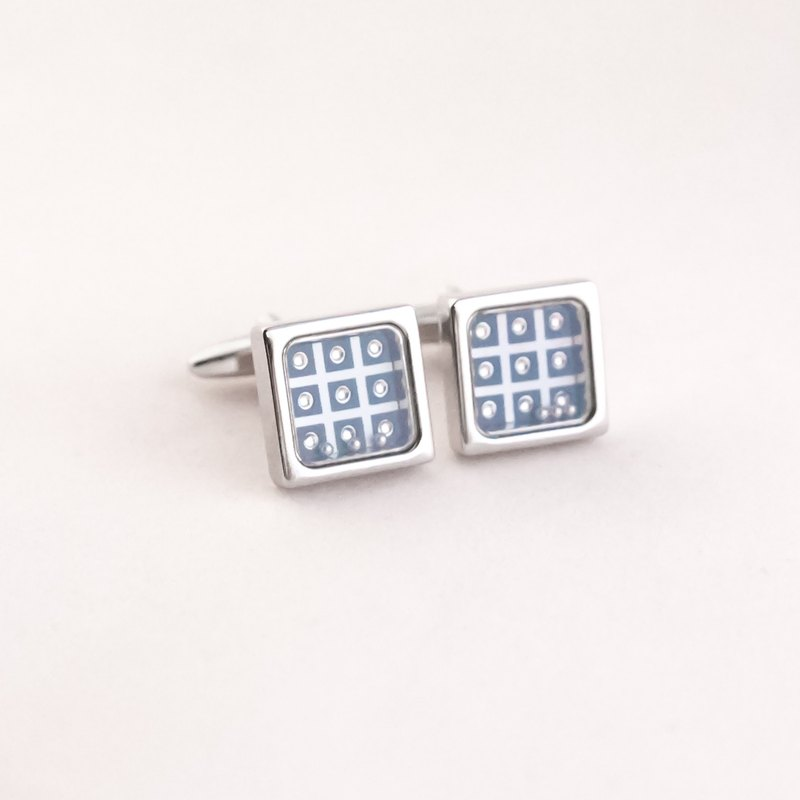 9 Holes with a small ball CUFFLINK