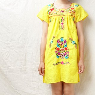BajuTua / Vintage / Mexican Bright Yellow Hand-embroidered Mini Dress (Girl Size)
