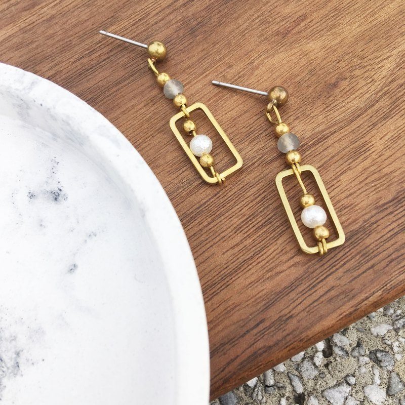 Laolin groceries Travelin-handmade brass earrings cotton pearls glass ear hook l ear pin l ear clip