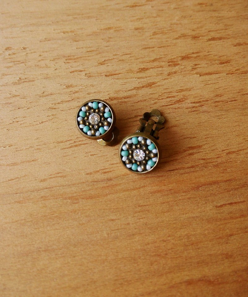 Deco tiles Earrings stars in daytime green mosaic beads
