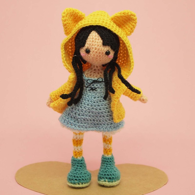 crochet doll/amigurumi/key chain/ yellow cat jacket【made-to-order】