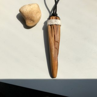 The beach under the sun. Xiao Nan Wood Necklace