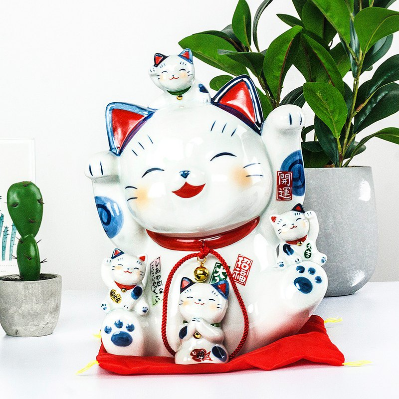 Japan imported pharmacist kiln dyeing Jin Fu help lucky cat handmade ceramic ornaments birthday housewarming opening housewarming gift