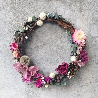 Straw straw rose wreath