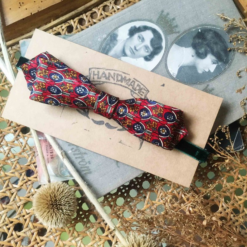 Marriage Graduation Gift - Antique Cloth Tie Tie Handmade Bow Tie - Japanese Red - Narrow Edition
