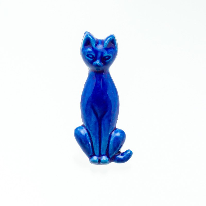 Pottery brooch cat (cobalt)