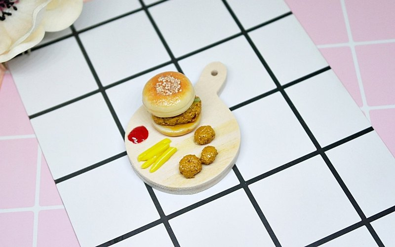 =>Clay Series - Burger Set - can be made into a key ring / magnet / pure ornament