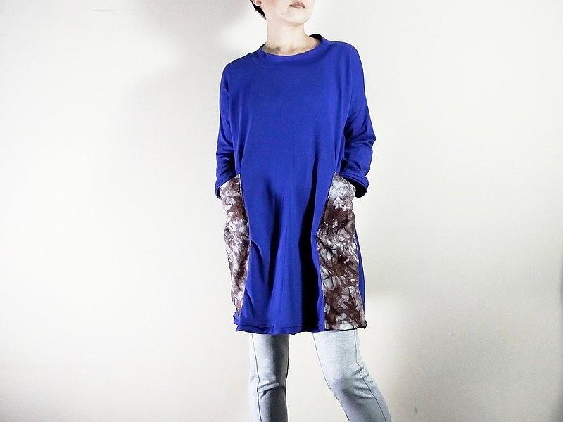 寶藍的不修邊大口袋純棉T恤-長袖