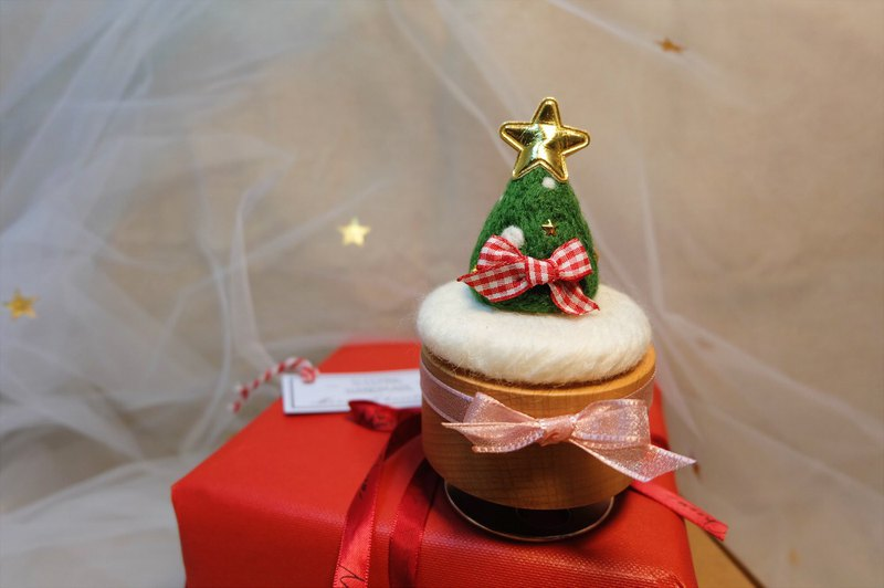 Sleeping original handmade Christmas [hanging a little star for you] hand-rotating music box