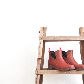 Rain boots day | Mei Yu season. Kyoto and wind rain boots. Vermilion. Boots. Waterproof and wearable. Comfortable support