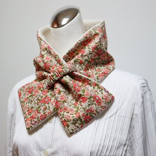 Retro rose adjustable short scarf. Scarf warm bib double-sided two-color adult. Suitable for children
