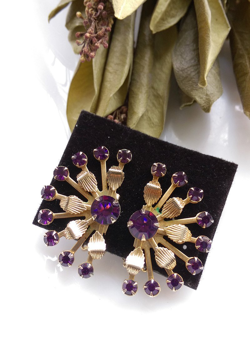 [Western antique jewelry / old age] 1950's LERU purple rhine geometry fan clip earrings
