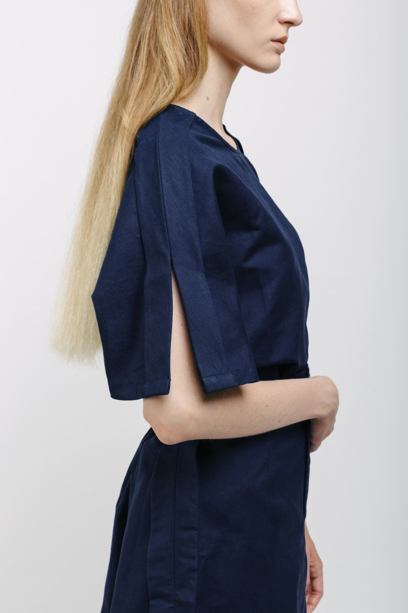 Navy Linen Boxy Top with Arm Slit