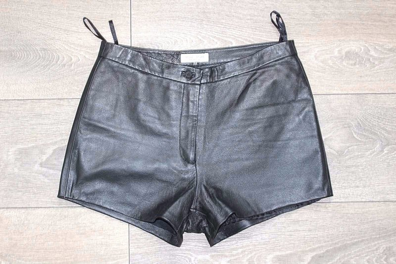 Vintage Black 100% Real Leather MORE & MORE Ladies Hot Pants Shorts Size W27