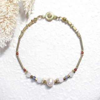 VIIART. Years of solar terms - cold dews. Pearl Moonstone Cordierite Brass Bracelet