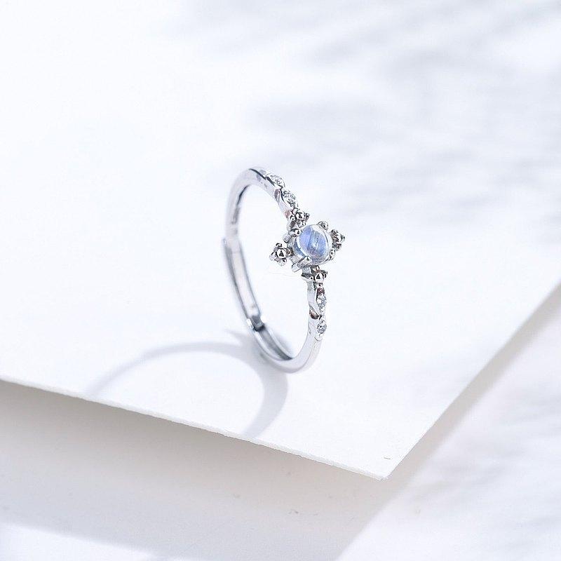 藍光玻璃體月光石925純銀精鍍亮澤白金戒指