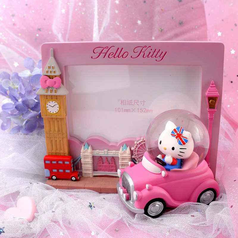 Hello Kitty London Photo Frame Crystal Ball Ornament
