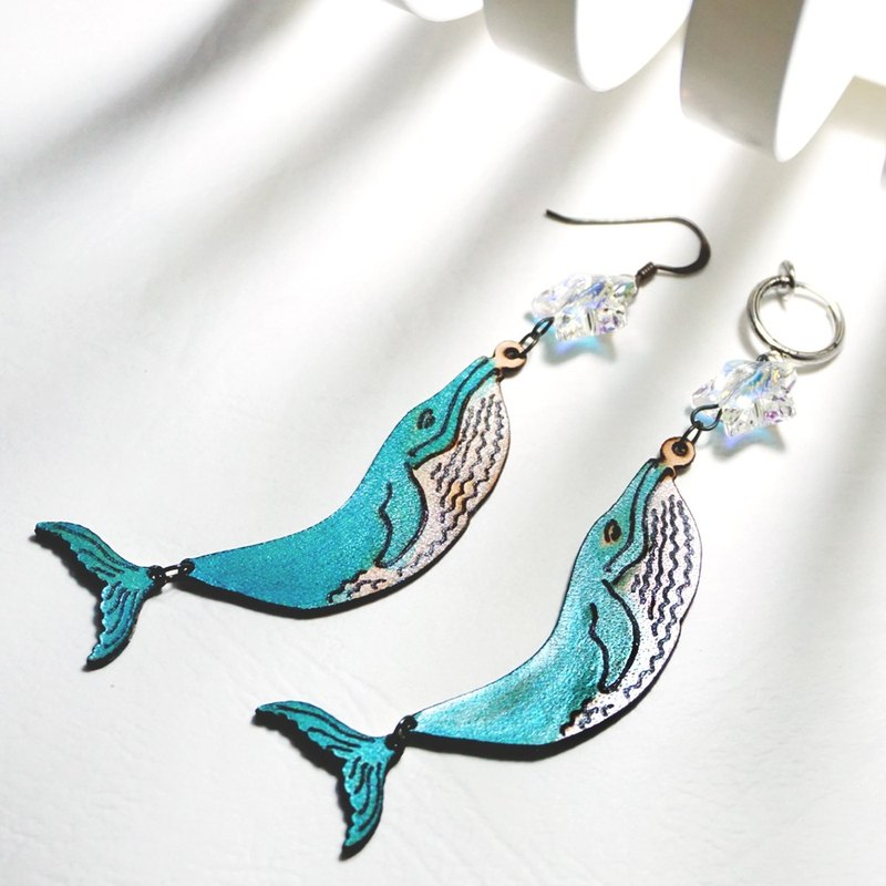 | Leather Jewelry | Ocean dreaming | Whale earring |