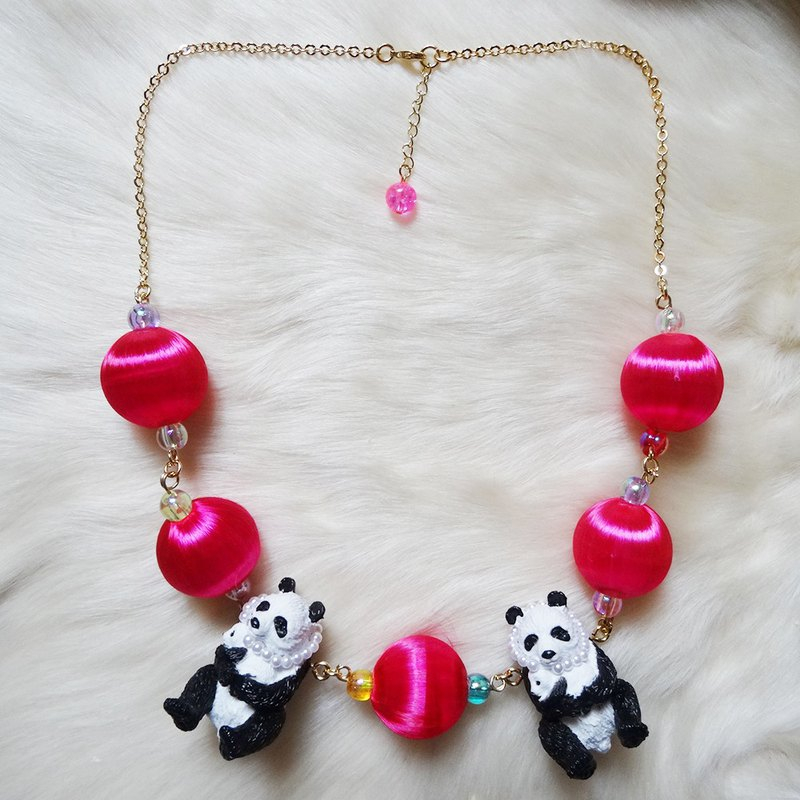 "Panda necklace ""mom & baby"" (limited)"