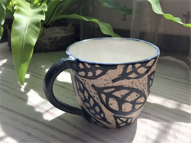 Engraved series - leaf pattern white pottery coffee cup _ pottery mug