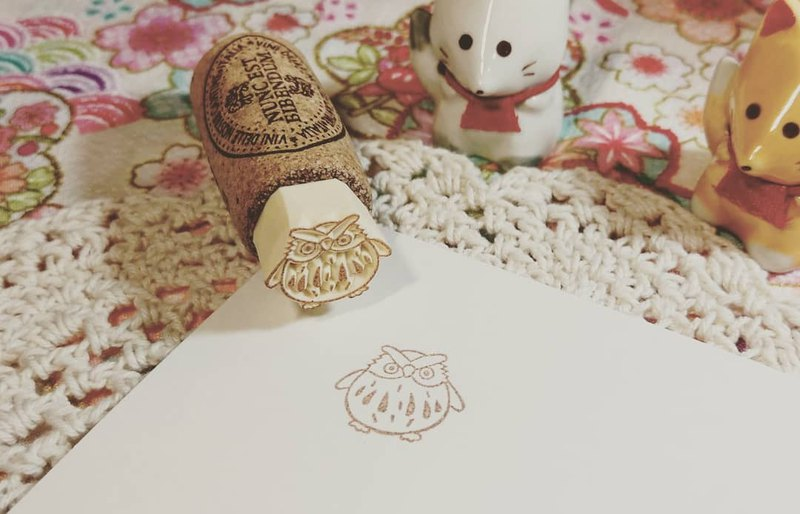 Xiaofushen Cork Series-Golden Doll-Owl Hand Carved Seal Rubber Stamp