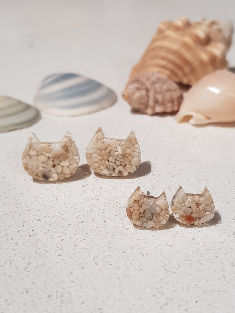 Sand Cats and Kittens resin stud earrings
