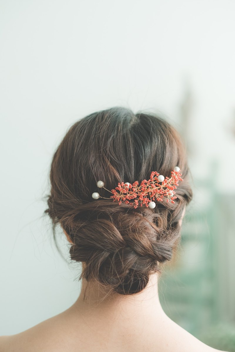 Baby's Breath Hair Pin (Red)  /bridal accessory/hair accessory/handmade