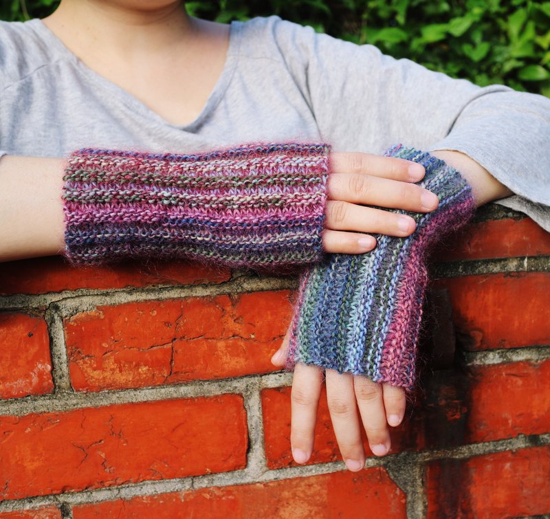 Handmade - Wisteria Story - Knitted Hand Gloves