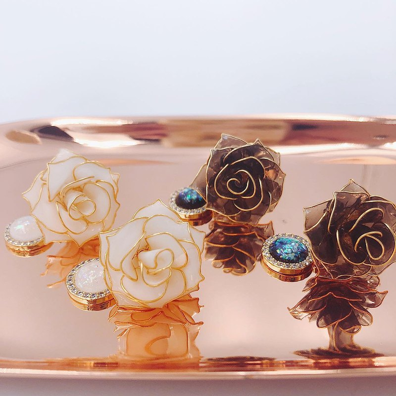 【玫瑰園系列-凡爾賽】樹脂耳環 蒔花 Blossom Time