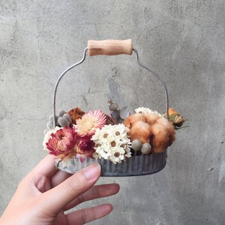 Dried flowers basket cotton flower spot